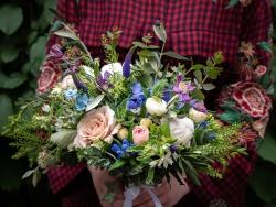 Siūlome darbą floristui gėlių parduotuvėje (4)