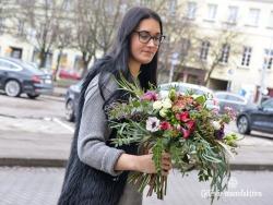 Siūlome darbą floristui gėlių parduotuvėje (3)