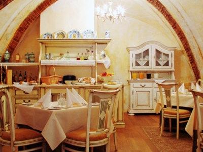 IEŠKOME INDŲ PLOVĖJO restorane MEDININKAI (1)