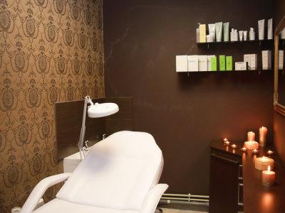 Išnuomojama darbo vieta kosmetologei (1)