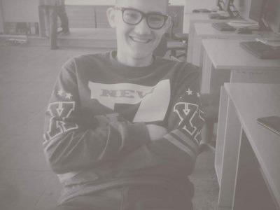 17 metų paauglys ieško darbo Kaune (1)
