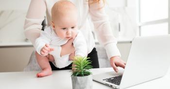 Motinystė ir darbas mini