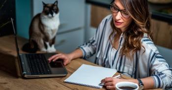Darbas namuose populiarėja ir tampa įprastu reiškiniu mini